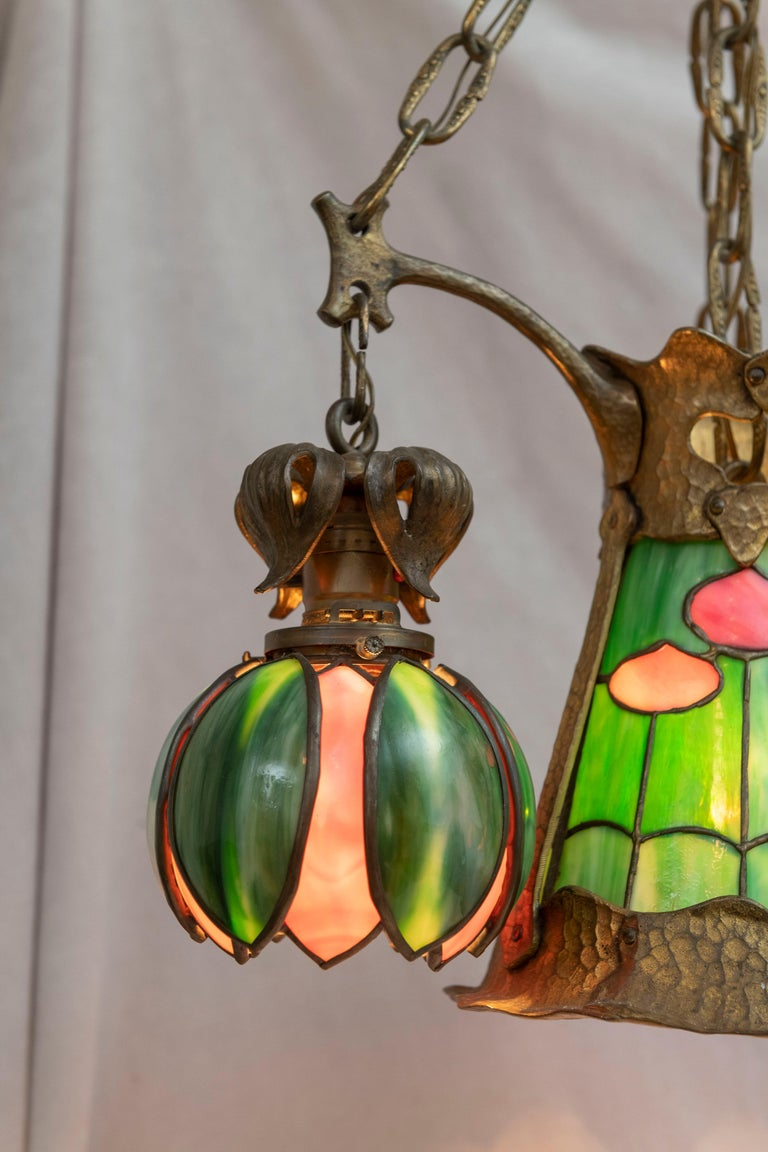 Hand-Crafted American Arts & Crafts/ Art Nouveau Leaded Glass 4 Light Chandelier, circa 1910 For Sale