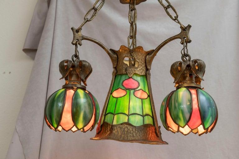 American Arts & Crafts/ Art Nouveau Leaded Glass 4 Light Chandelier, circa 1910 In Excellent Condition For Sale In Petaluma, CA