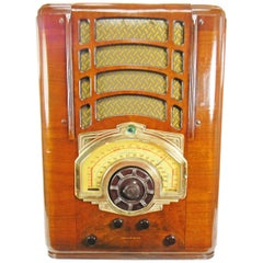 American Bosch Model 854T '1939' The Largest Tombstone Radio