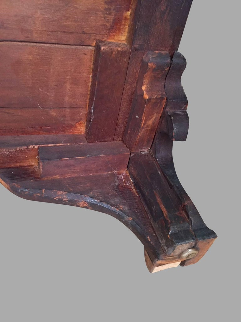 American Chippendale Period Mahogany Serpentine Four-Drawer Chest For Sale 6