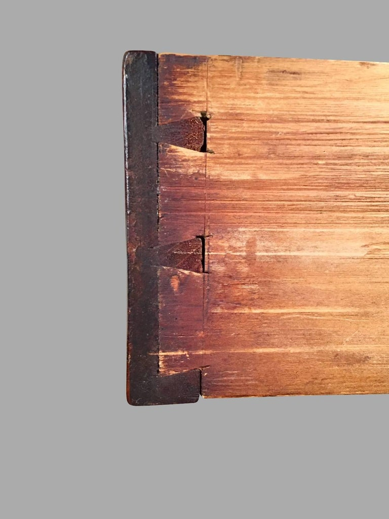 American Chippendale Period Mahogany Serpentine Four-Drawer Chest For Sale 3