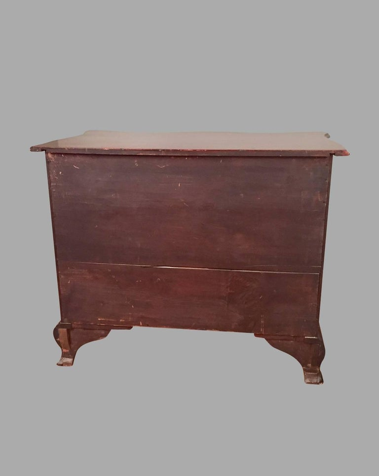 American Chippendale Period Mahogany Serpentine Four-Drawer Chest For Sale 4