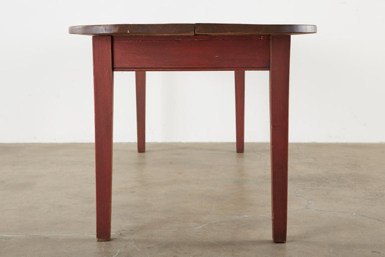 Hand-Crafted American Country Pine Farmhouse Harvest Dining Table For Sale