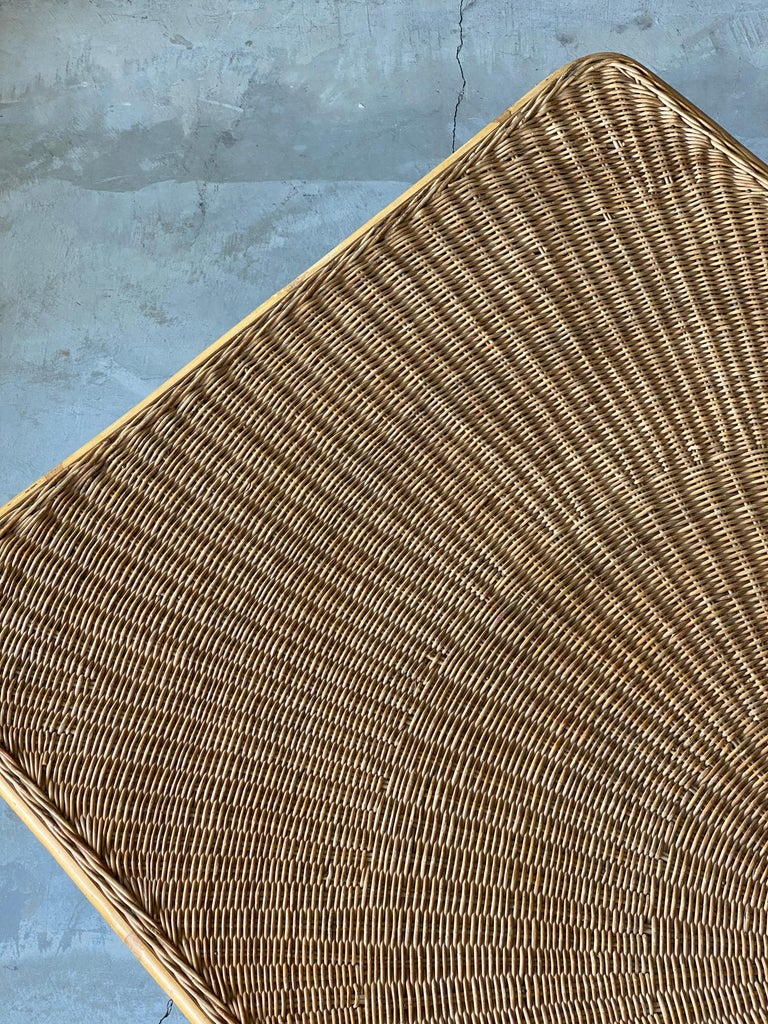 Mid-Century Modern American Designer, Minimalist Dining Table, Woven Rattan, Lacquered Steel, 1950s For Sale