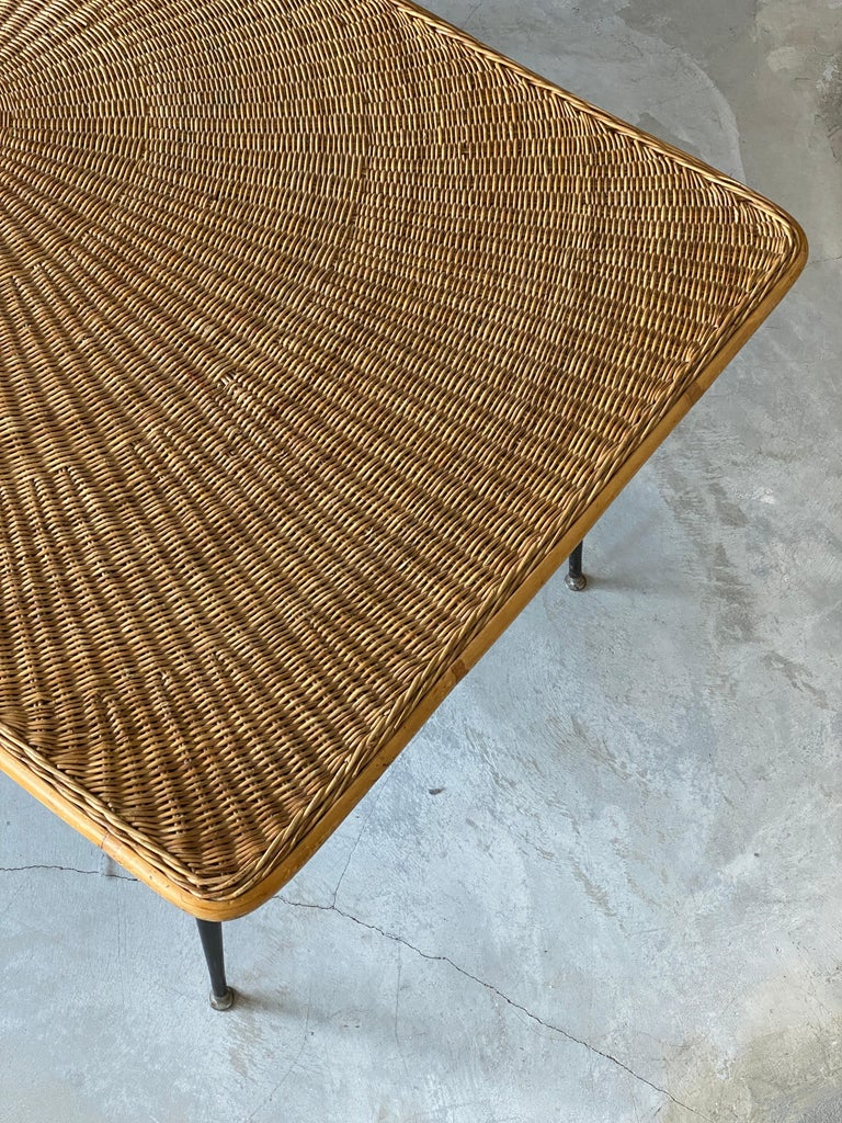 Metal American Designer, Minimalist Dining Table, Woven Rattan, Lacquered Steel, 1950s For Sale