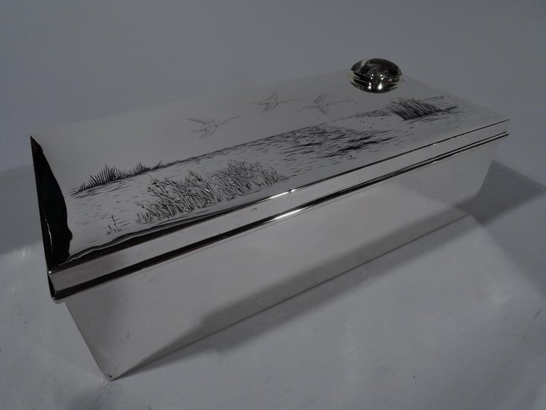 American Edwardian Sterling Silver Duck Hunt Box with Essex Crystal In Excellent Condition For Sale In New York, NY