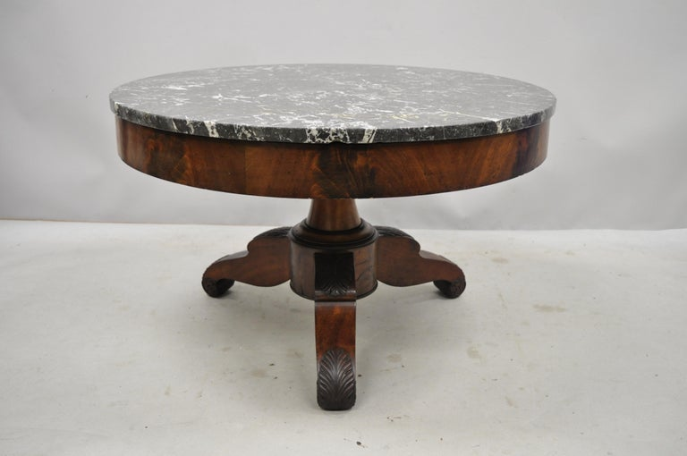 American Empire Round Marble-Top Flame Mahogany Pedestal Base Coffee Table For Sale 8