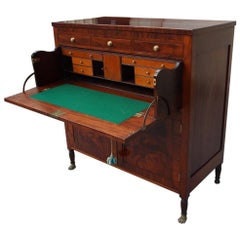 American Federal Mahogany & Satinwood Butler's Desk with Paw Feet. NY, C. 1810