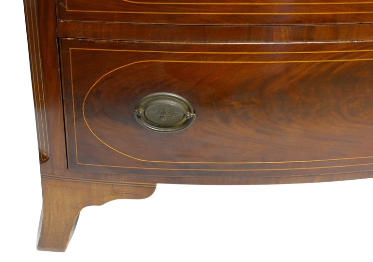 American Federal Mahogany Bow Front Chest of Drawers, 19th Century, circa 1820 For Sale 2