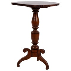 American Federal Mahogany Tilt-Top Scalloped Table