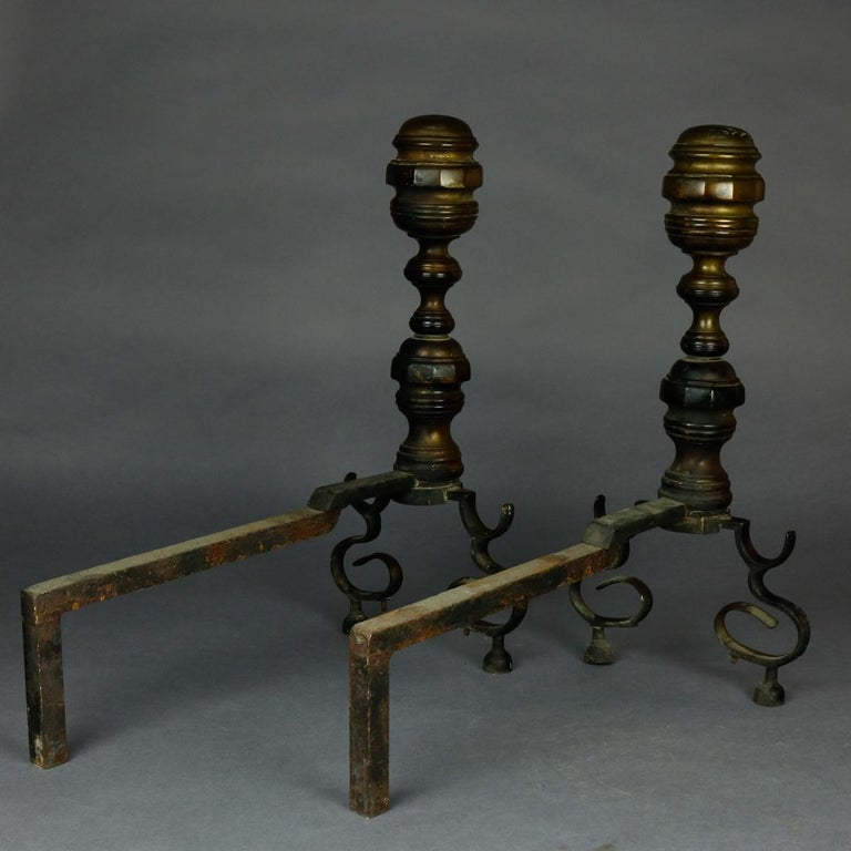 American Federal Philadelphia Style Brass Beehive Fireplace Andirons, circa 1850 In Good Condition For Sale In Big Flats, NY