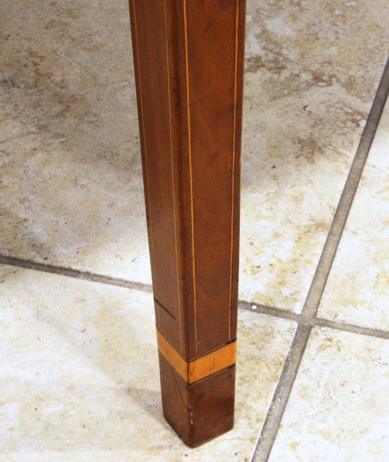 American Federal Satinwood Inlaid Mahogany Shaped Pembroke Table, Circa 1820 For Sale 2