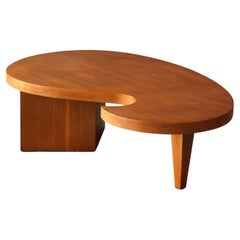 American, Freeform Coffee or Cocktail Table, Oak, United States, 1950s
