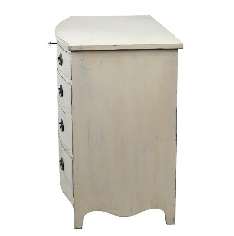 American Hepplewhite Chest of Drawers with Gustavian Grey-White Paint In Good Condition For Sale In Miami, FL