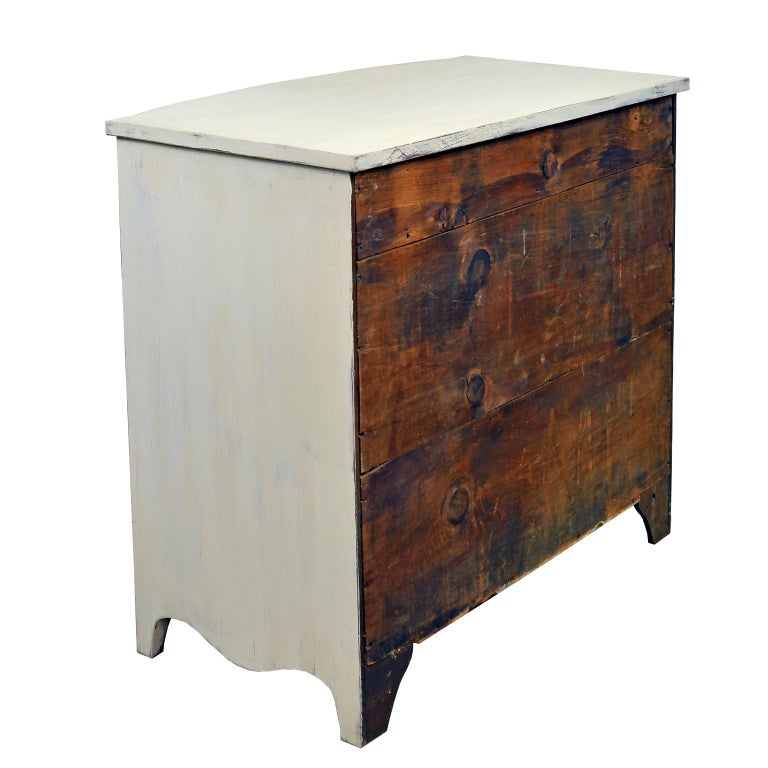 Late 18th Century American Hepplewhite Chest of Drawers with Gustavian Grey-White Paint For Sale