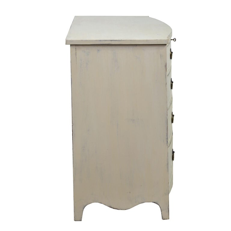 American Hepplewhite Chest of Drawers with Gustavian Grey-White Paint For Sale 1