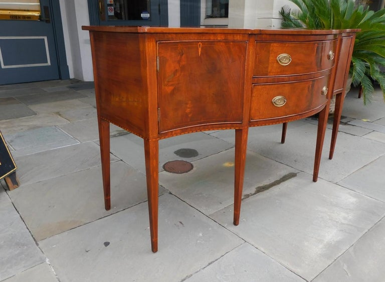 American Hepplewhite Mahogany Serpentine Two Drawer Inlaid Sideboard, Circa 1790 In Excellent Condition In Charleston, SC