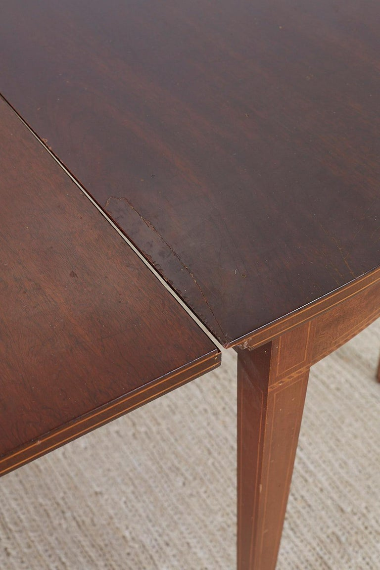 American Hepplewhite Style Mahogany Banquet Dining Table For Sale 7
