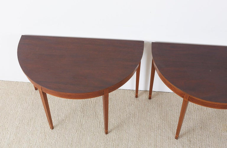 American Hepplewhite Style Mahogany Banquet Dining Table For Sale 12