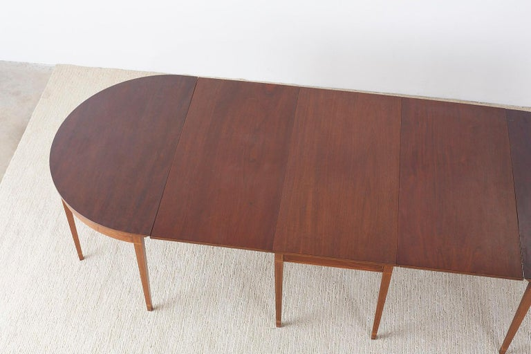 20th Century American Hepplewhite Style Mahogany Banquet Dining Table For Sale