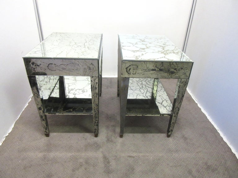 American Hollywood Regency Mirrored Nightstands In Good Condition For Sale In New York, NY