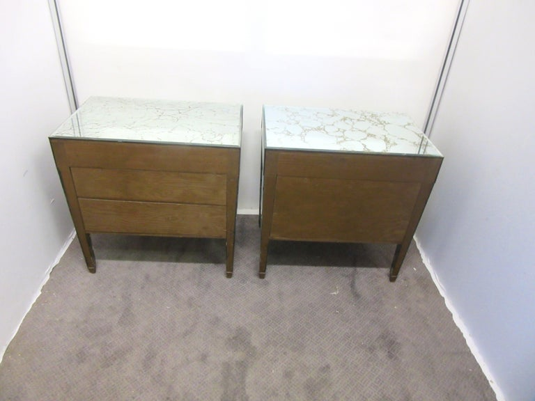 Mid-20th Century American Hollywood Regency Mirrored Nightstands For Sale