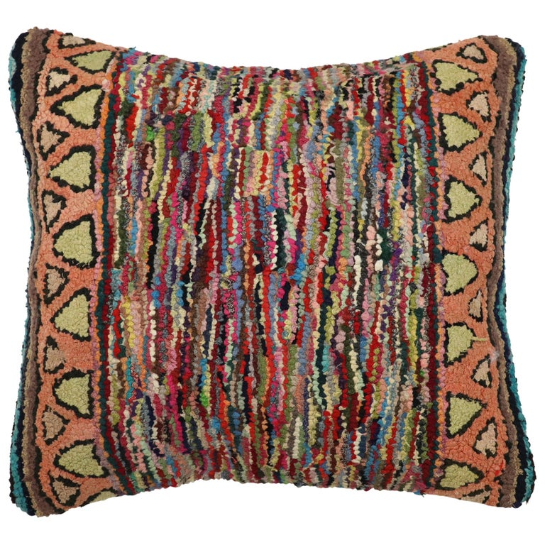 American Hooked Rug Pillow For Sale