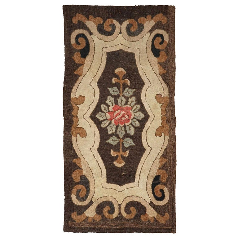 American Hooked Rug with Floral Decoration For Sale