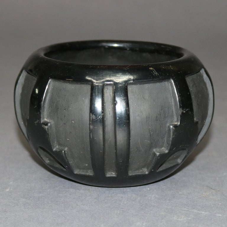 American Indian Sculpted Black Pottery Vase by Robert Naranjo, Santa Clara In Good Condition For Sale In Big Flats, NY