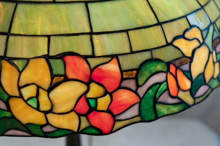 Art Nouveau American Leaded Glass Table Lamp by Wilkinson, circa 1910 For Sale