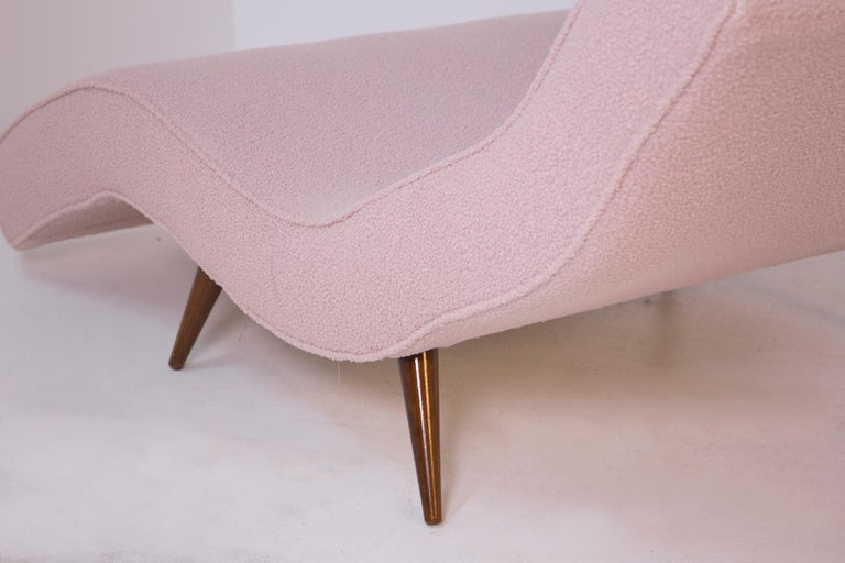 Mid-20th Century American Lounge Chair in Pink Bouclè and Wood, 1950s For Sale