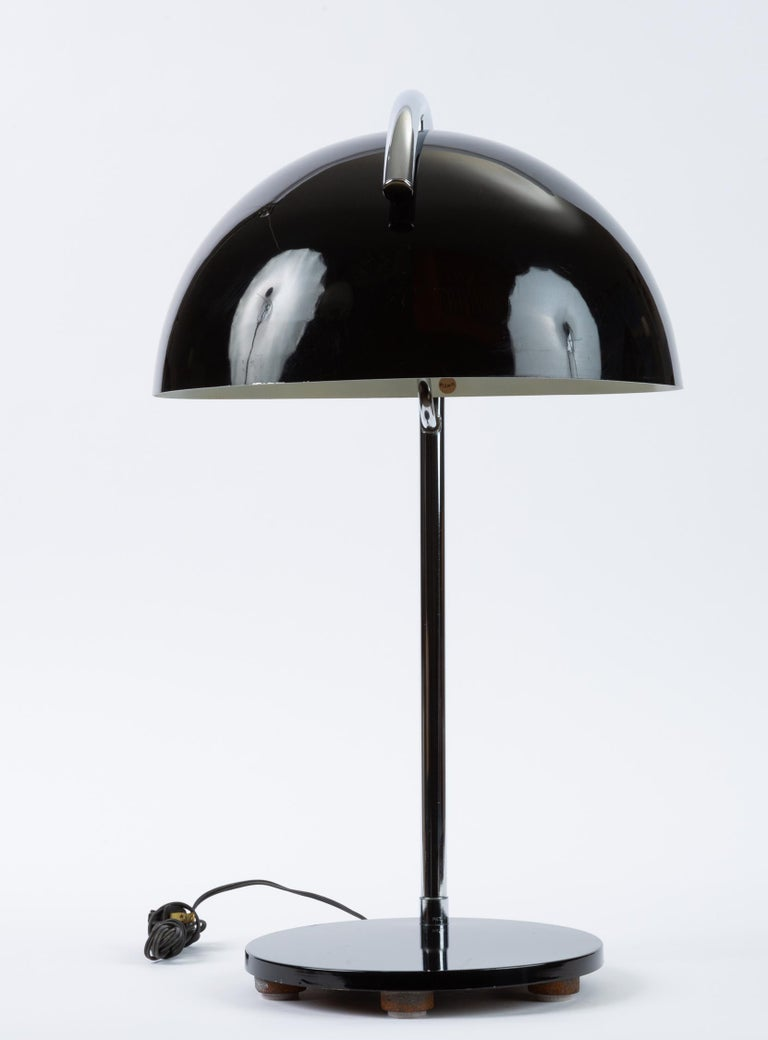 American-Made Table Lamp with Mushroom Shade In Good Condition For Sale In Los Angeles, CA