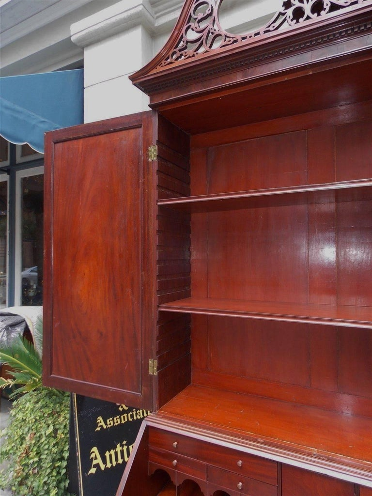 American Mahogany Oxbow Swan Neck Secretary with Bookcase, Salem, Ma. Circa 1790 For Sale 3
