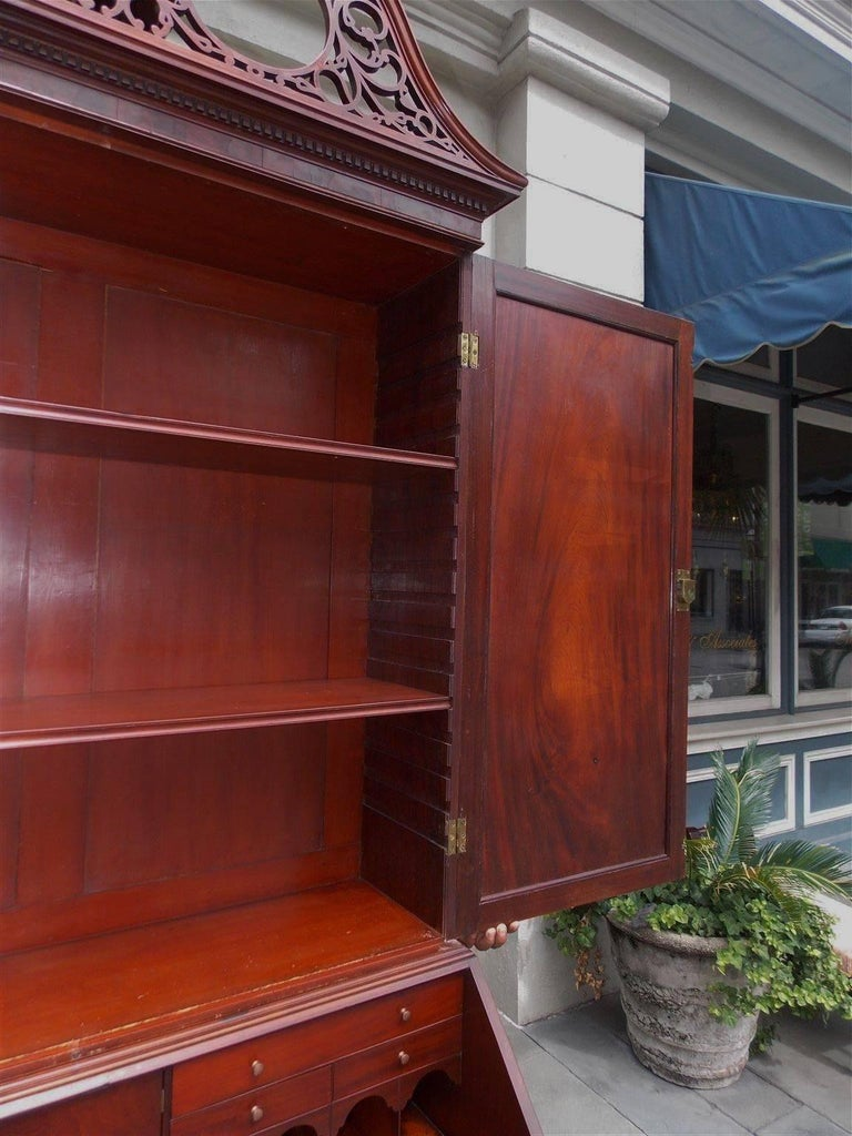 American Mahogany Oxbow Swan Neck Secretary with Bookcase, Salem, Ma. Circa 1790 For Sale 4