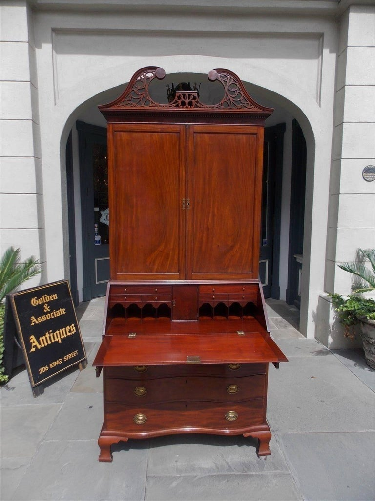American Mahogany Oxbow Swan Neck Secretary with Bookcase, Salem, Ma. Circa 1790 For Sale 5