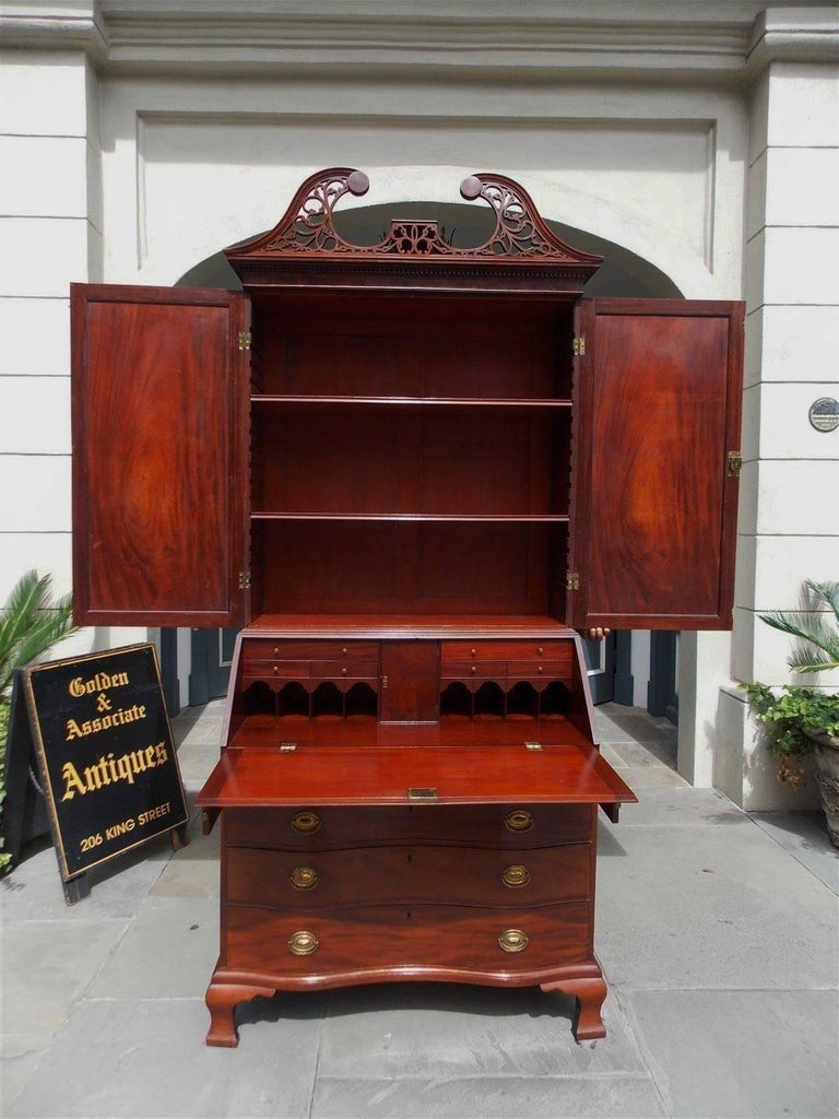 Hand-Carved American Mahogany Oxbow Swan Neck Secretary with Bookcase, Salem, Ma. Circa 1790 For Sale
