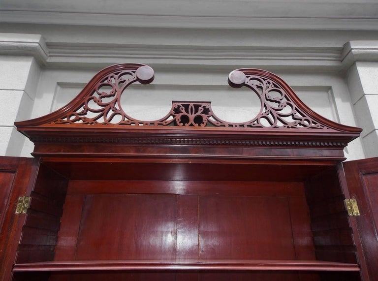 American Mahogany Oxbow Swan Neck Secretary with Bookcase, Salem, Ma. Circa 1790 For Sale 2