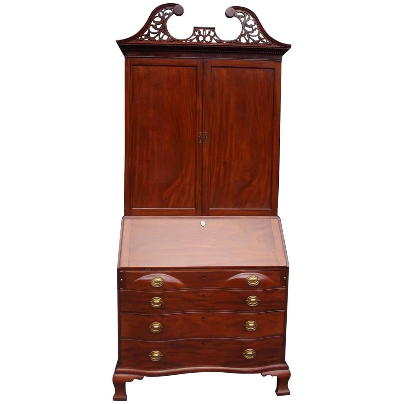 American Mahogany Oxbow Swan Neck Secretary with Bookcase, Salem, Ma. Circa 1790