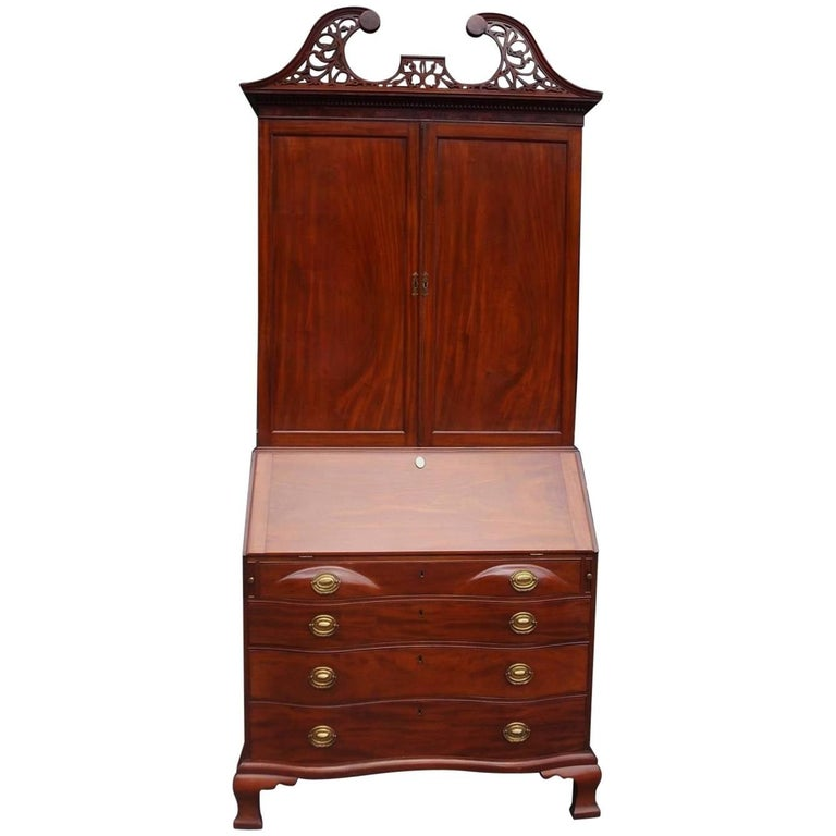 American Mahogany Oxbow Swan Neck Secretary with Bookcase, Salem, Ma. Circa 1790 For Sale
