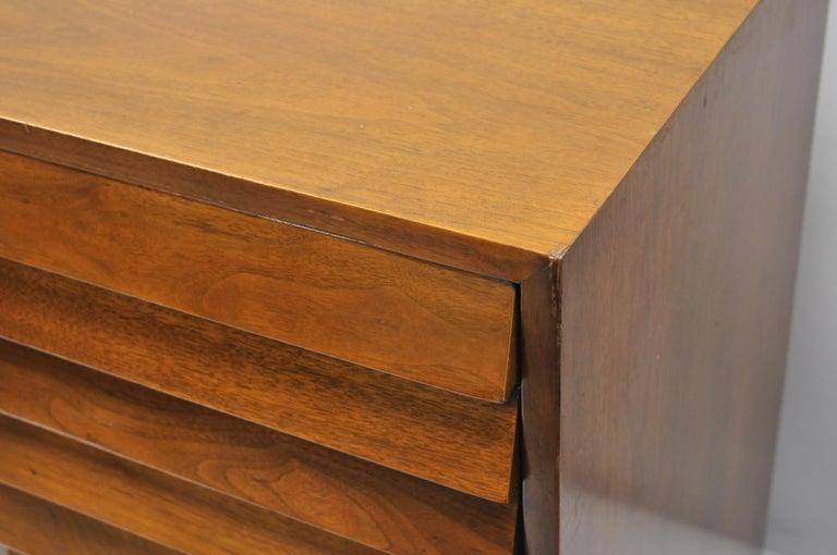 American Martinsville Walnut Louvered Drawer Mid Century Modern Dresser Credenza For Sale 6