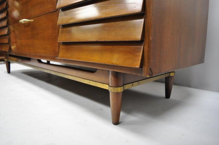 American Martinsville Walnut Louvered Drawer Mid Century Modern Dresser Credenza For Sale 2