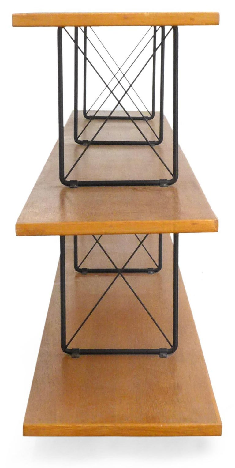 American Midcentury D.I.Y. Wood and Iron Shelving Unit In Good Condition For Sale In Los Angeles, CA