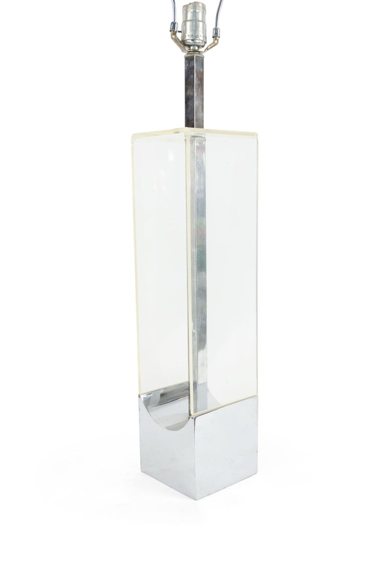 Mid-Century Modern American Midcentury Lucite and Chrome Table Lamp For Sale