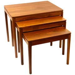 American Mid-Century Modern Set of 3 Walnut Nesting Tables by Drexel