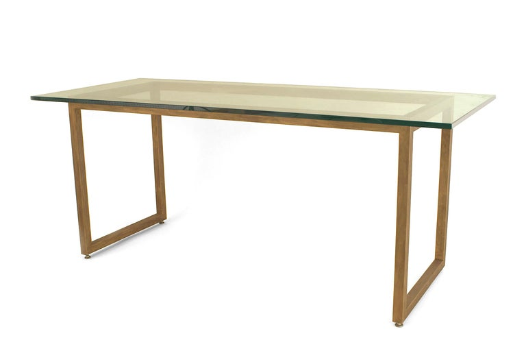 American Mid-Century Modern Style Dining Table In Good Condition For Sale In New York, NY