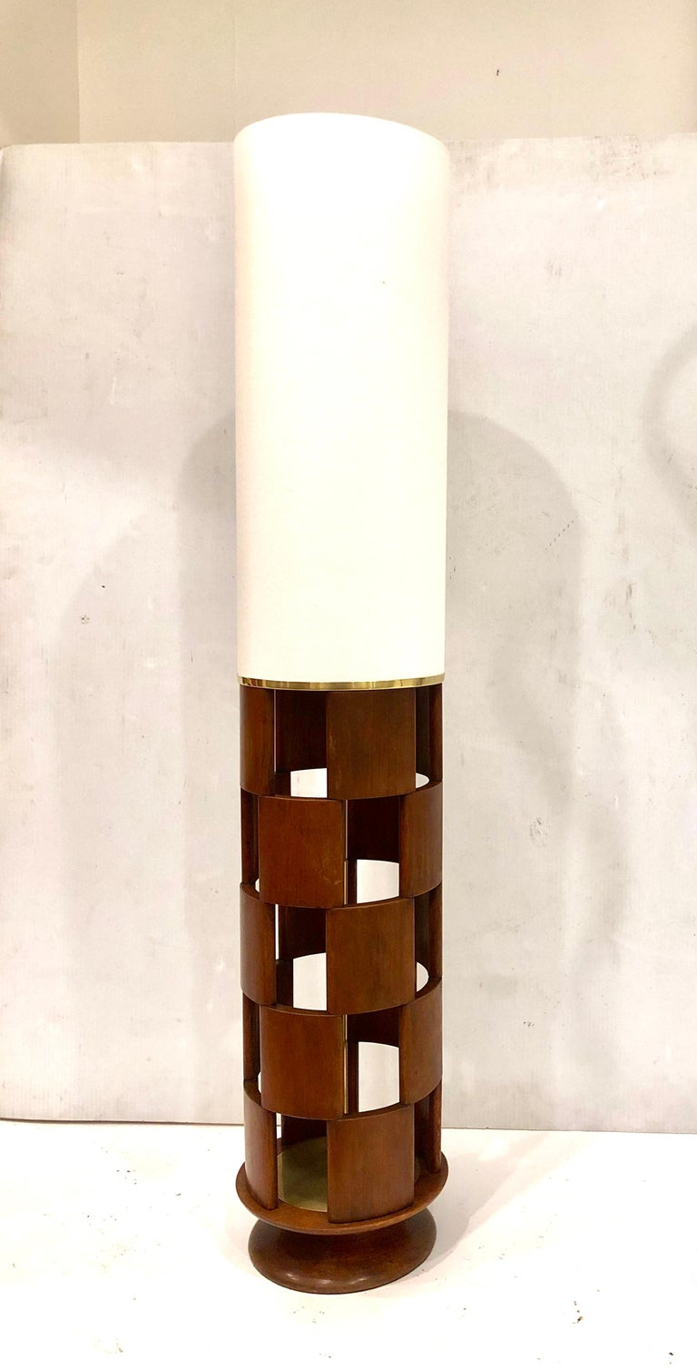 20th Century American Mid-Century Modern Tall Lamp by Modeline Lamp Company For Sale