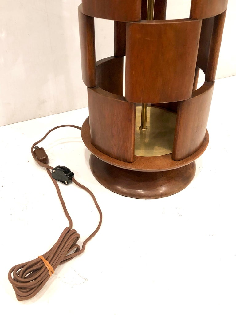 American Mid-Century Modern Tall Lamp by Modeline Lamp Company For Sale 2