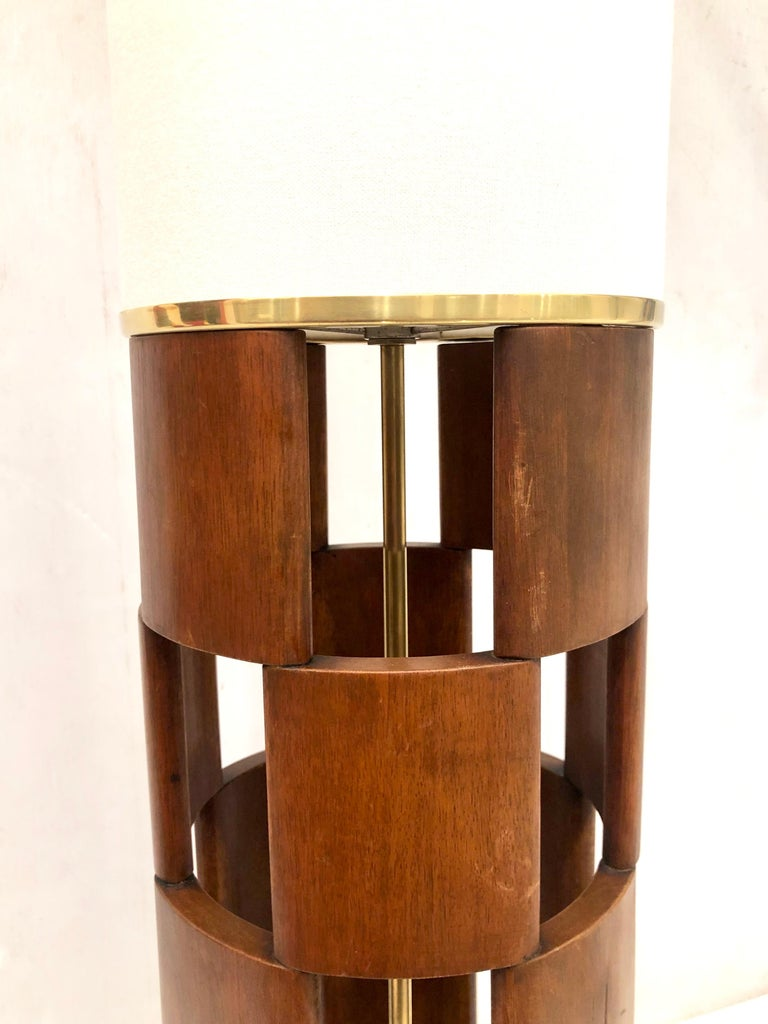 American Mid-Century Modern Tall Lamp by Modeline Lamp Company For Sale 3