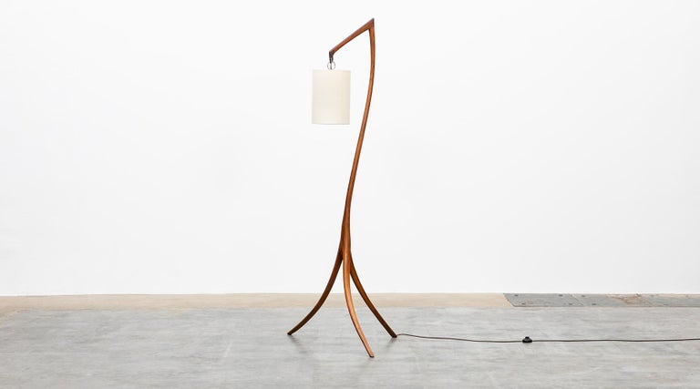 American Mid-Century Modern Pair of Floor Lamps in Walnut and Linen For Sale 1