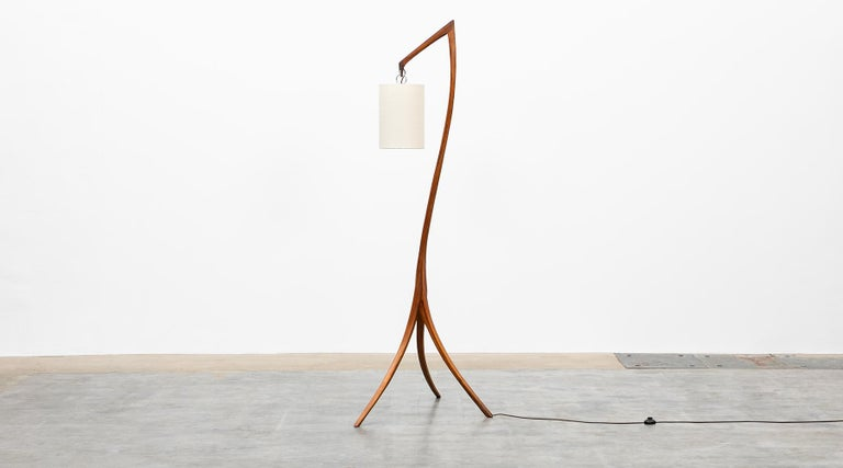 American Mid-Century Modern Pair of Floor Lamps in Walnut and Linen For Sale 3